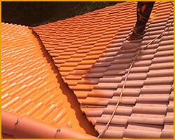 couvreur peinture toit tuile entretien toiture montpellier. Black Bedroom Furniture Sets. Home Design Ideas